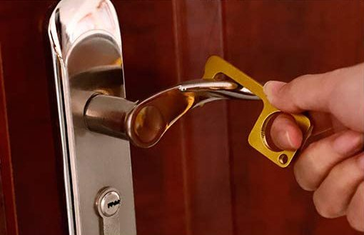 abrir puertas con seguridad